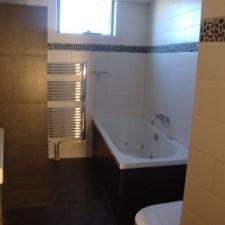 Badkamer-renovatie-na-het-renoveren-405x540.jpg